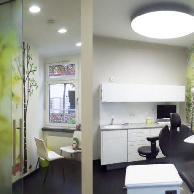 Behandlungsraum/ Treatment room