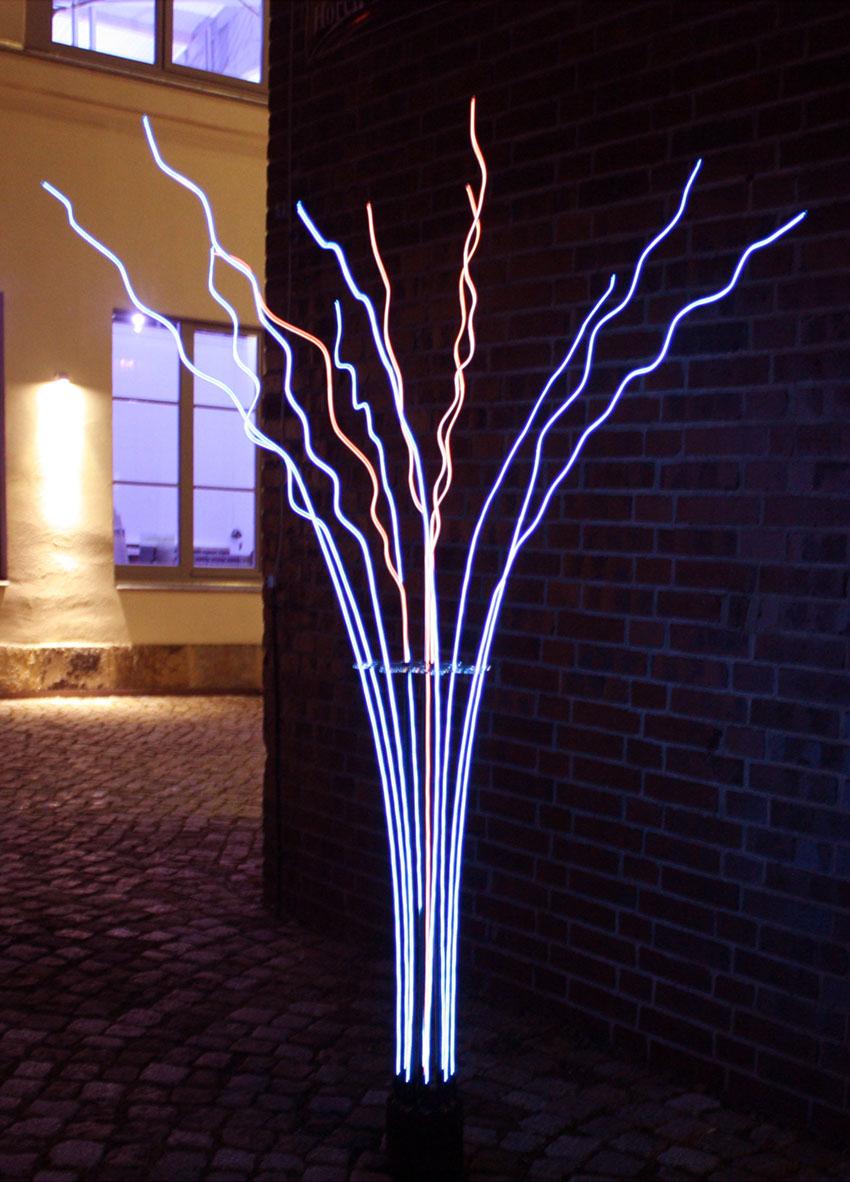 """""""Ellucida"""" Event deco lamp. Metall, Plexiglas, EL Wire. H 1,90m. 2012"""